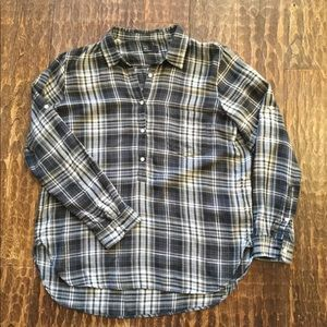 EUC GAP Ladies Plaid Flannel Shirt